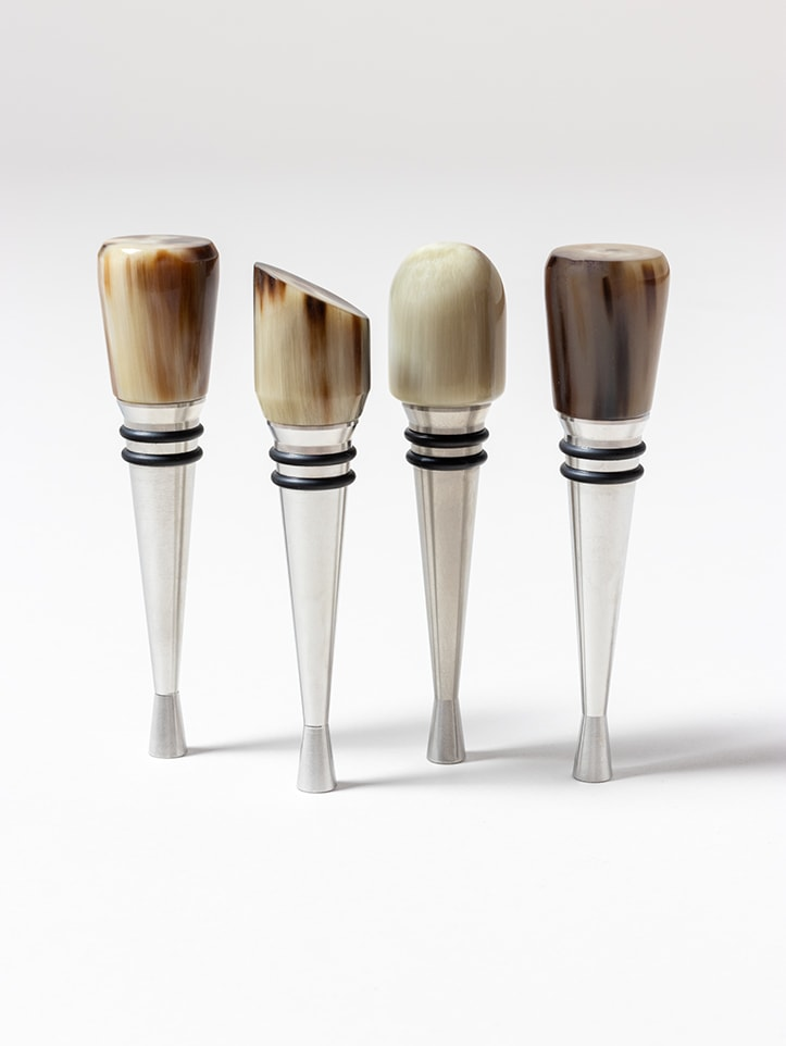 Wine Stopper in Natural Horn handmade by Zanchi 1952